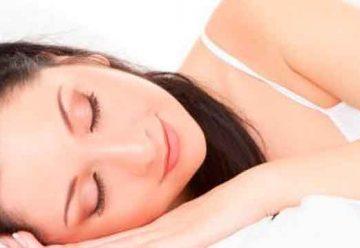 Pasar una noche sin pegar ojo afecta a nuestro cuerpo