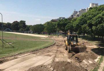 Comenzaron las obras de la pista de atletismo del Parque Chacabuco