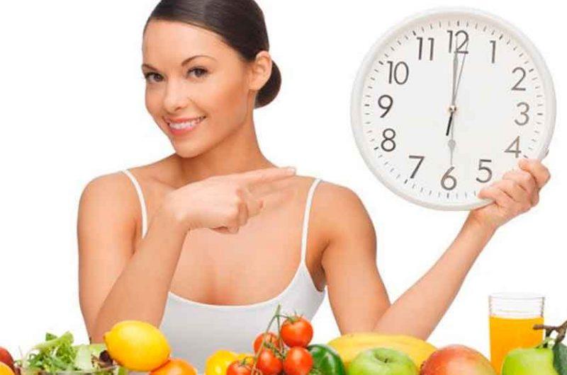 Comer lento y cuatro veces al día