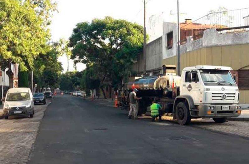 Trabajos de pavimentación en la calle Fray Cayetano Rodriguez