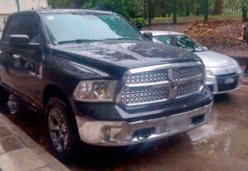 Subastan camionetas a beneficio del Hospital Piñero