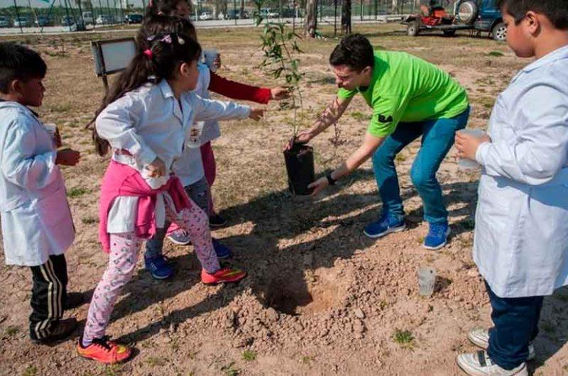 Celebración del Día del Árbol en Villa Soldati