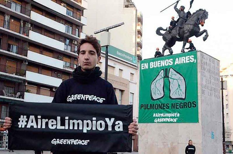 Greenpeace protesta en Caballito para reclamar aire limpio