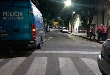 Una mujer degolló a propia su hija en plena calle