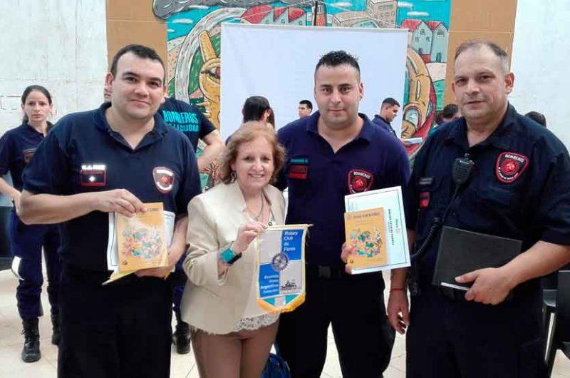 El Rotary club entregó reconocimientos a Bomberos