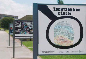 Estudiantes secundarios exponen en el Parque de la Memoria
