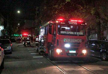 Más de 40 personas rescatadas por Bomberos en incendio