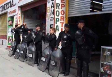 La policía allanó varios locales de venta de mercadería apócrifa