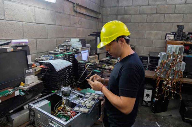 Dispositivos electrónicos en desuso para la Asociación Basura Cero