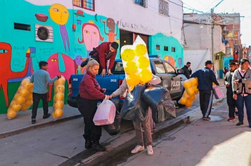La Policía donó juguetes a la fundación «Margarita Barrientos»
