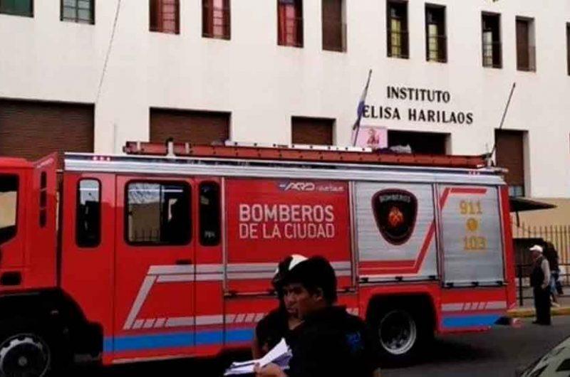 Un alumno cayó desde un segundo piso en una escuela