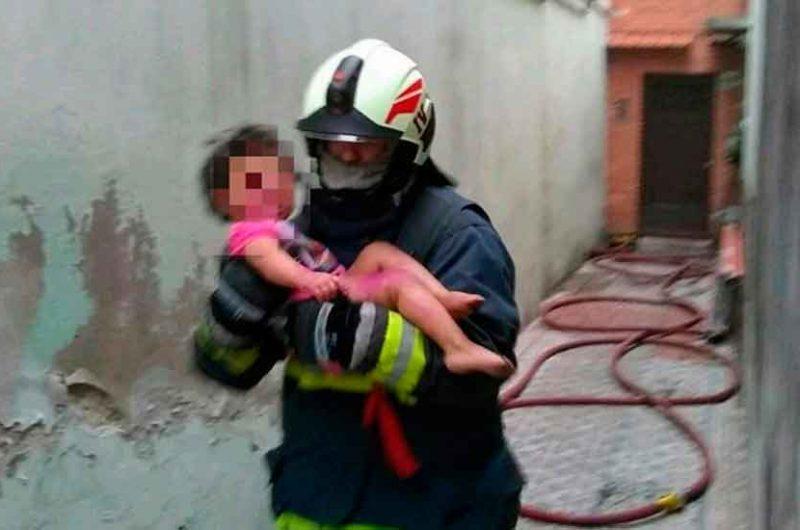Salvaron la vida a tres chicos que quedaron atrapados en un incendio