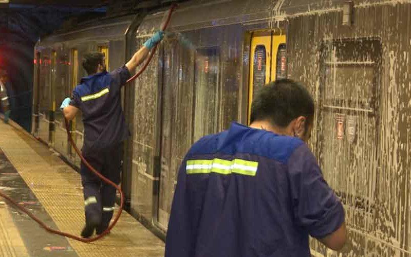 La Ciudad intensifica la desinfección en trenes y subtes