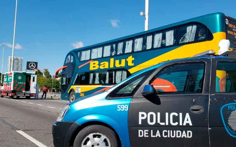 Detienen a un micro con extranjeros proveniente de Jujuy