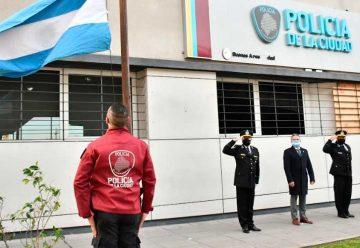 La Policía conmemoró un nuevo aniversario por el 25 de Mayo