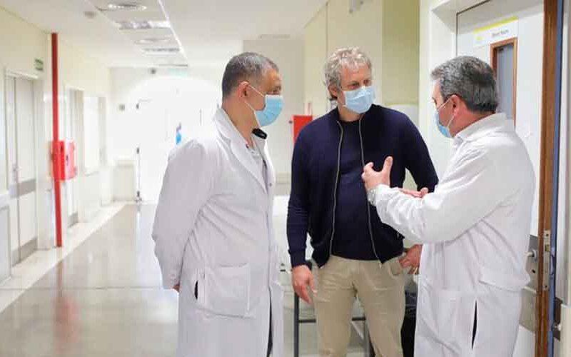 Felipe Miguel recorrió las obras del Hospital Álvarez