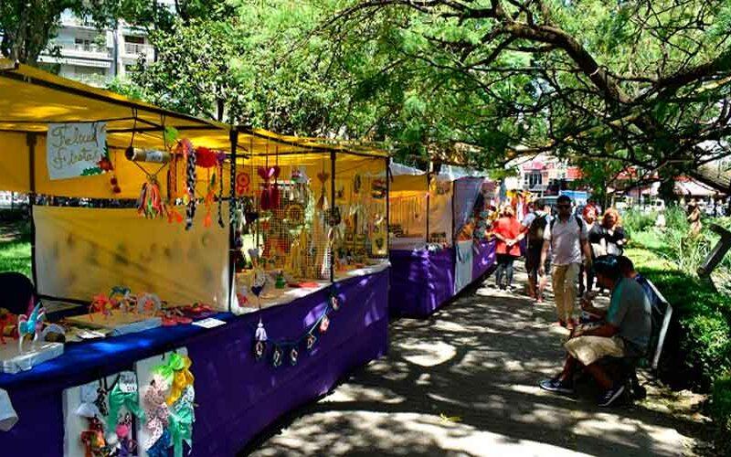 Vuelve el Paseo de Artesanos de Plaza Flores