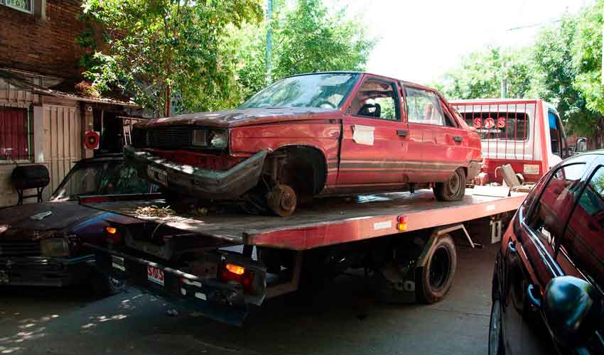 Removieron varios vehículos abandonados
