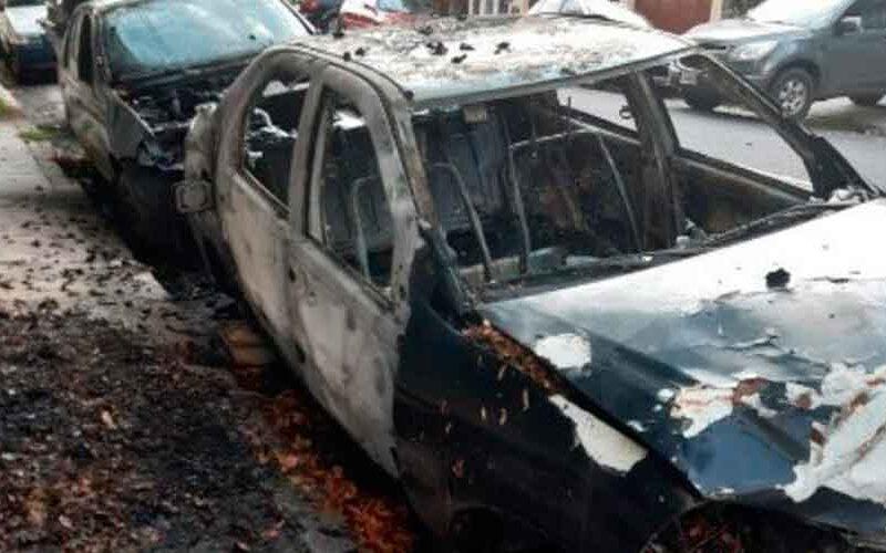 Detuvieron a un quemacoches acusado de prender fuego tres autos