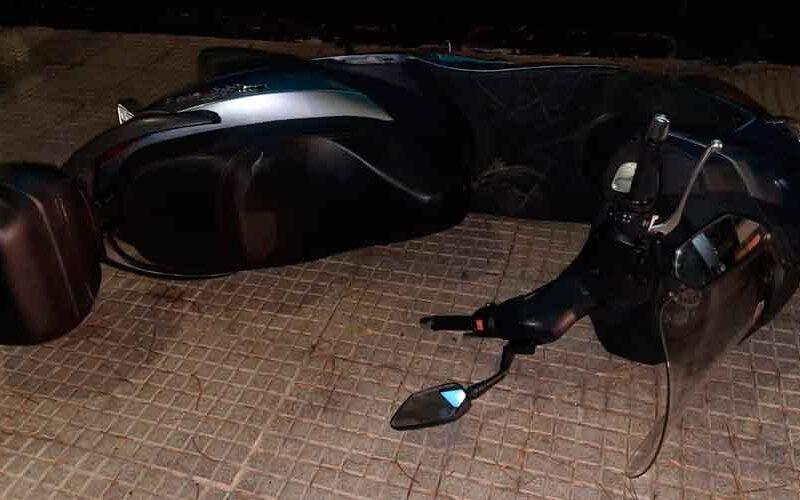 Detienen a dos hombres por el robo de una moto