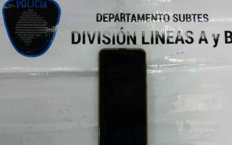 La Policía detuvo a un ladrón de celulares en el Subte