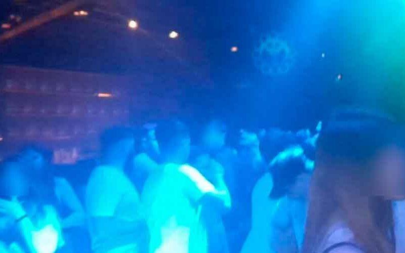Desarticulan fiesta clandestina en un bar de Palermo