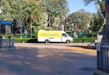 Unidad de testeo móvil en Plaza Flores